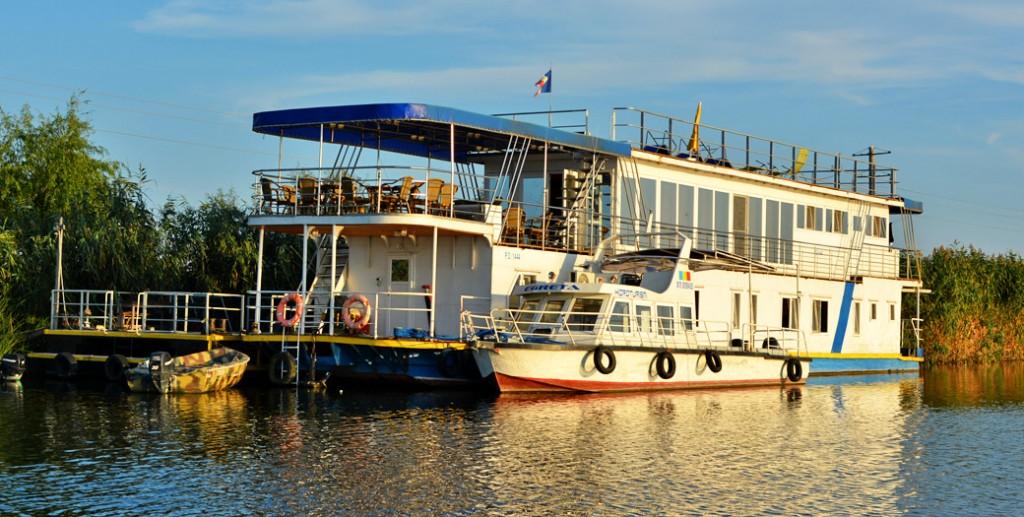 ponton-delta-marine